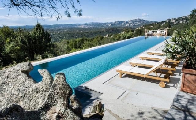 vista piscina sardegna