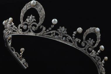 La Tiara – Regina dei copricapi