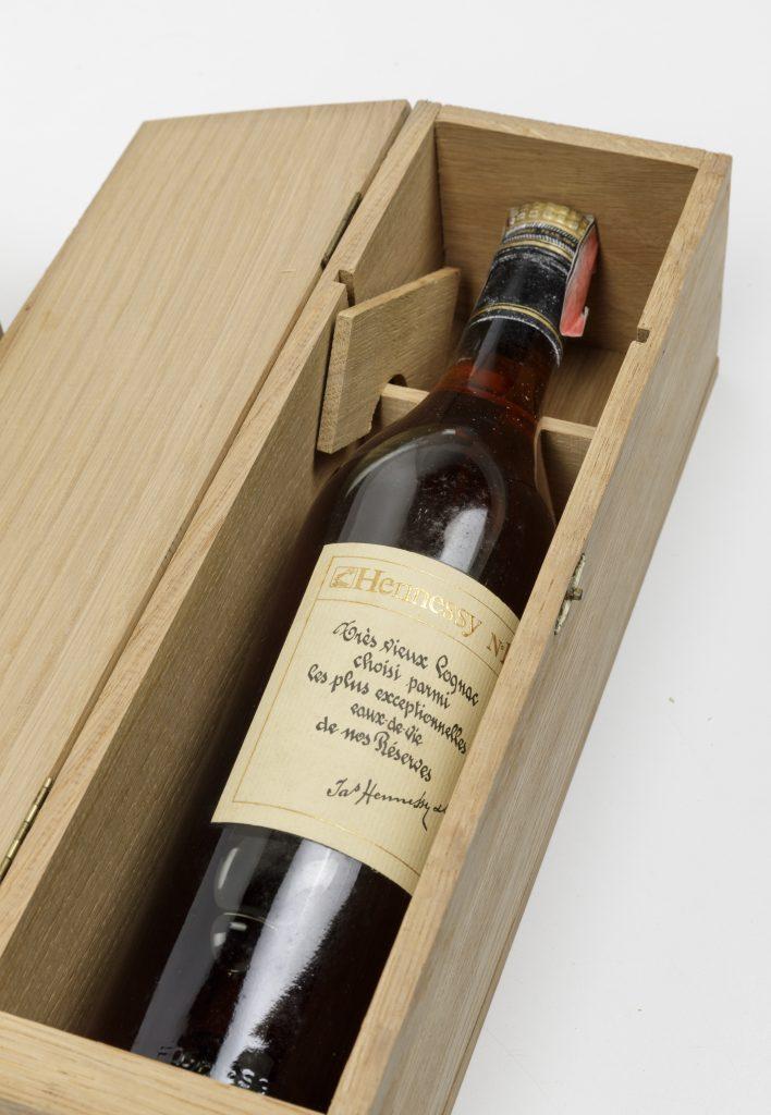 Hennessy, Cognac numero uno. (1 Bt) 70cl. gradi n.d. 1 Bt TS. OWC
