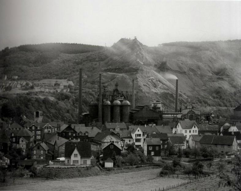 Bernd e Hilla Becher, Paesaggio industriale, Siegen, 1963.