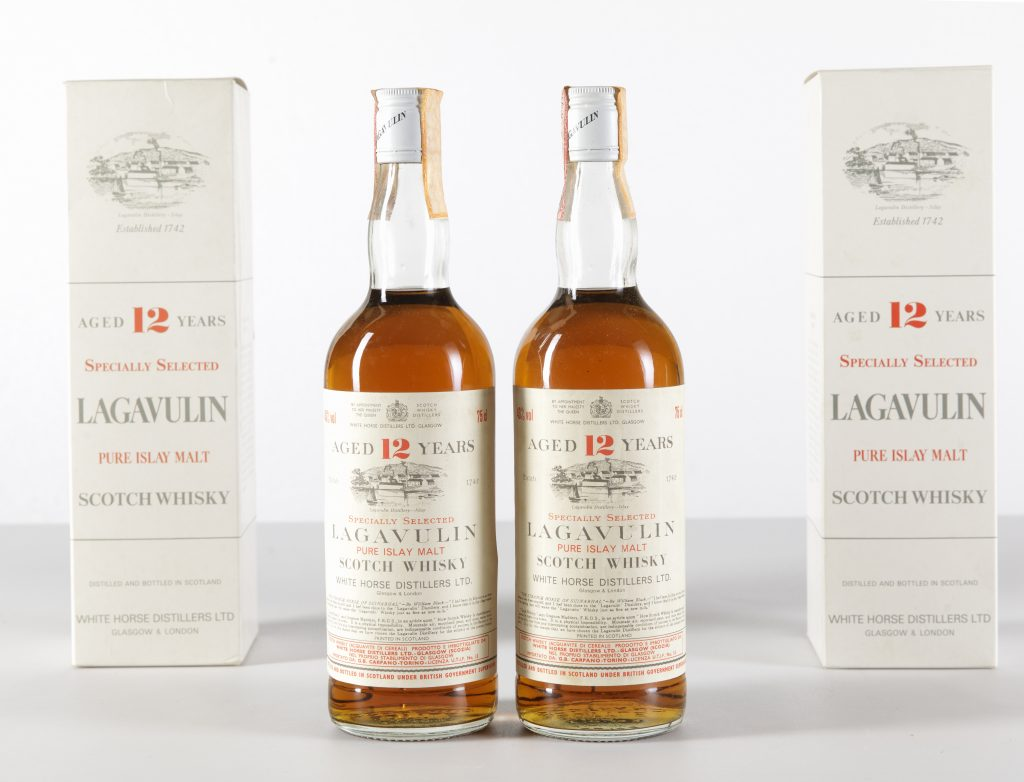 Lagavulin, White Horse Distillers, Pure Islay Malt Scotch Whisky 12 years old